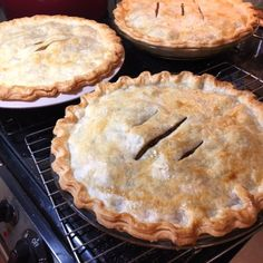 Grammy Brouillettes French Canadian Meat Pie (Also known as Tourtière) Filling Can Be Used as a Stuffing Recipes to try French Canadian Meat Pie Recipe, French Meat Pie, Canadian Cuisine, Canadian Food, Canadian Recipes, Russian Recipes, Canadian Dishes, French Recipes, Curry Recipes
