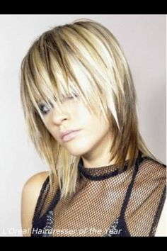 I need pictures of Platinum blonde hair with dark lowlights! Blond Hair With Lowlights, Hair Highlights, Color Highlights, Semi Short Hair, Medium Hair Styles, Short Hair Styles, Medium Length Blonde, Medium Layered Haircuts, Low Lights Hair