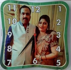 Beautiful wall Clock to capture ur momrnts.