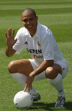 R9 turns 43 today. | Ronaldo, Fotos de ronaldinho, Leyendas de futbol
