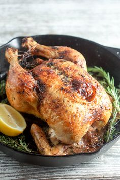 Low Carb Recipes To The Prism Weight Reduction Program The Perfect Roast Chicken.Juicy Bird, Crispy Skin And Tons Of Flavor Roast Chicken Juicy, Perfect Roast Chicken, Roast Chicken Recipes, Roasted Chicken, Baked Chicken, Weeknight Meals, Easy Meals, Turkey Stew, Roasted Fingerling Potatoes