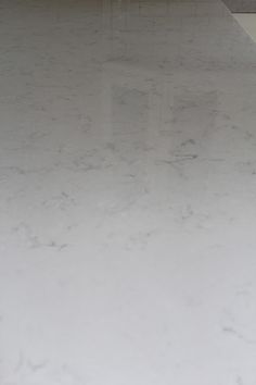 Silestone lagoon for countertops Diy Kitchen, Kitchen And Bath, Kitchen Dining, Kitchen Stuff, Kitchen Ideas, Silestone Lagoon, Maple Cabinets, Framed Tv, Craftsman Kitchen