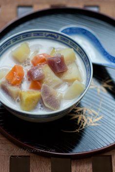 Pigpigscorner : Bubur cha cha - simple and delicious coconut-based Asian dessert soup. Asian Desserts, Sweet Desserts, Asian Recipes, Delicious Desserts, Dessert Recipes, Chinese Desserts, Yummy Recipes, Malaysian Cuisine, Malaysian Food