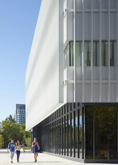 University of Toronto Mississauga Innovation Centre, Canada / Moriyama & Teshima Architects - Architecture Lab Amazing Architecture, Architecture Design, Innovation Centre, University Of Toronto, Canada, Glass Roof, Interior And Exterior, Around The Worlds, Gallery