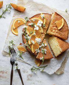 Orange and Cream Cheese Pound Cake Pound Cake Recipes, Easy Cake Recipes, Baking Recipes, Cupcakes, Cupcake Cakes, Köstliche Desserts, Delicious Desserts, Dessert Recipes, Cream Cheese Pound Cake