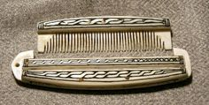 Reconstruction of a comb from Haithabu by Sam Voigt. Baby, will you make this for me?