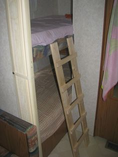 Diy Rv Bunk Ladders Rvin Camper Beds Camper Bunk