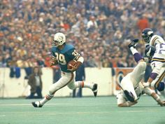 Super Bowl VIII (Dolphins 24, Vikings 7): Larry Csonka of the Miami Dolphins runs down the field. Csonka became the first running back to be named Super Bowl MVP.