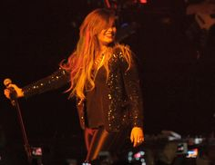 demi-lovato-performs-at-neon-lights-tour-in-sao-paulo_23.jpg (1200×929)