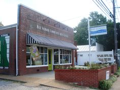 Bay School Community Arts Center in Mathews, VA http://www.bayschool-arts.com/pages/location-and-store-hours