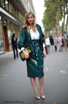 #danaabica #women #vernis #heels #skirt #shirt #green #leo #leopard #fashion #chemise #paris #pfw #chic #skirt #streetfashion #streetstyle #style #look #outfit #moda #fashion #mode #streetchic #streetstyle #street by #sophiemhabille