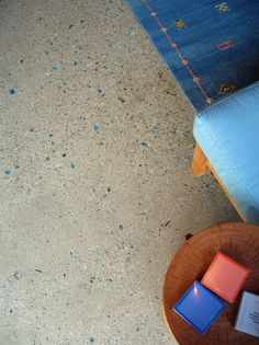 Concrete floors with recycled glass aggregate