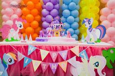 My Little Pony Birthday Party. Definitely going to be getting Aunt @Lindsey Reeves  to help me with this if I do it :)