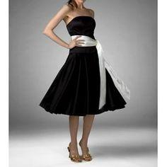 Simple Short Black Strapless Bridesmaid Dress Knee-length Elegant Party Dresses (scheduled via http://www.tailwindapp.com?utm_source=pinterest&utm_medium=twpin&utm_content=post85063567&utm_campaign=scheduler_attribution)