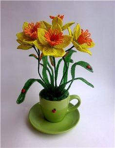 нарциссы из бисера  ¡ Narciso, que flor elegantemente silvestre ¡