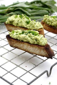 Śniadaniowa, zielona pasta jajeczna z avocado. Zacznij dzień zdrowo! Mango, No Cook Appetizers, Dinner Dishes, Avocado Toast, Fries, Salads, Sandwiches, Healthy Eating, Baking