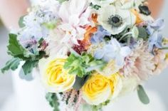 So many assorted flowers in this bouquet