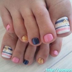 Toenails (Love this, but i would paint the other nails white)