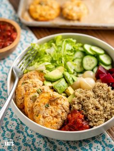 cheddar butter bean bites in cream bowl with quinoa, cucumber, lettuce, salsa, Sp Meals Slimming World, Slimming World Pancakes, Slimming World Recipes Syn Free, Slimming Eats, Yummy Healthy Snacks, Healthy Eating, Healthy Recipes, Healthy Food, Vegetable Recipes