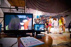Producción en el foro. Equipo: Monitor JVC, grúa Jimmy Jib con cámara Sony X3.