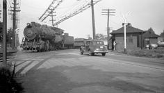 1-SIRT-CNJ 0-8-0 311-Switching Cars on SIRT Tracks at SIRT-CNJ Interchange-Cranford Jct. - c. 1946.jpg (800×457)
