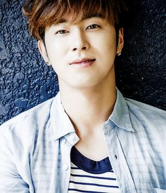 Jung Yun-ho (정윤호), who is a member of the duo TVXQ/DBSK (東方神起/동방신기).
