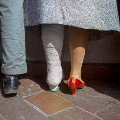 Vivian Maier: as cores do mundo secreto da ama que era fotógrafa Contemporary Photography, Urban Photography, Color Photography, White Photography, Portrait Photography, Minimalist Photography, Photography Filters, Photography Accessories, Fantasy Photography