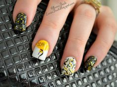 Lanie Buck: DIY Manicure with Tutorial- Balloon and Glitter New Years Nails