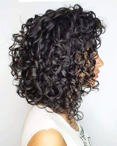 Thick Curly Haircuts, Mid Length Curly Hairstyles, Bob Haircut Curly, Curly Bob Hairstyles, Curly Hair Tips, Wavy Hair, Curly Hair Styles, Medium Hair Cuts, Medium Hair Styles