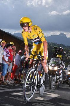 Chris Froome wins ITT Stage 18 Tour de France 2016 photo Tim de Waele