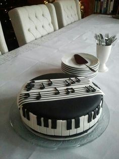 Music Cake. #music Cakes #musiccakes http://www.pinterest.com/TheHitman14/music-cakes-food-%2B/