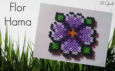 Flor de hama perler beads Hama perler beads flower Tutorial en mi blog:  http://rguad.blogspot.com.es/2015/02/hama-flor.html