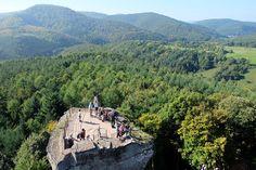 Vue sur le château du Fleckenstein et le paysage d'Alsace