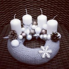 Home and Crafts - 5 különleges adventi koszorú Christmas Advent Wreath, Christmas Wreaths To Make, Handmade Christmas Decorations, Homemade Christmas, Diy Christmas Gifts, Christmas Projects, Simple Christmas, Christmas Home, Christmas Candles