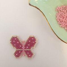 Har laget en sommerfugl på bestilling! Håper den kommer til å falle i smak! ☺️ #miyuki #miyukiaddict #sommerfugl #butterfly #madeinnorway #handmade #håndlaget #scandicrafts #norwegianmade #larvik #perler #beads #delicaperler #jenfiledesperlesetjassume #perlesaddictanonymes #brosje