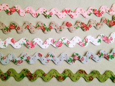 1 m printed Rickrack trim Roses M 12 mm w by FreuleinStephi Flower Embroidery Designs, Hand Embroidery Stitches, Ribbon Embroidery, Embroidery Patterns, Rick Rack Crafts, How To Trim Roses, Crazy Quilt Stitches, Quilt Stitching, Heirloom Sewing