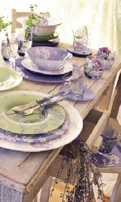 Beautiful table settings - Lavender Dining Room Sets Inspirations for Valentine Day – Beautiful table settings Estilo Shabby Chic, Shabby Chic Decor, Dining Room Sets, Dining Table, Lavender Cottage, Lavender Green, Vibeke Design, Beautiful Table Settings, All Things Purple
