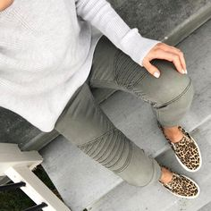 """2,396 Likes, 53 Comments - Kilee Nickels // Style & Hair (@onelittlemomma) on Instagram: """"My kind of momiform- well fitting neutrals, leopard print, and sneaks. (Nail color is Essie Romper…"""""""