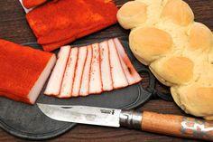 Nasušte si klobásky a salámy bez údenia (chorizo) Chorizo, Dairy, Food And Drink, Cheese, Fish, Meat, Tableware, Kitchen, Red Peppers