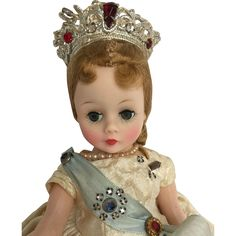 Madame Alexander Cissette queen from pearlsgirls on Ruby Lane Vintage Madame Alexander Dolls, Elizabeth Ii, Ruby Lane, Vintage Dolls, How To Look Pretty, Queens, Toys, Collection, Fashion