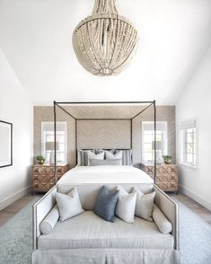 Bedroom ideas for small rooms, maximized your small bedroom with design, decor master spare layout inspiration for men and women - Small bedroom ideas Bedroom With Sitting Area, Small Room Bedroom, Trendy Bedroom, Home Decor Bedroom, Modern Bedroom, Bedroom Furniture, Bedroom Ideas, Small Rooms, Bedroom Designs