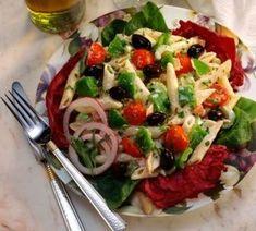 Ensalada española | Cocina española: receta de ensalada murciana. Y con el hambre que tengo me ponen esto, se ve delicioso