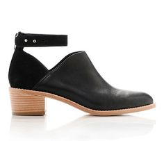 Can't afford them, but what fantastic boots! Spruce Up Your Fall Wardrobe With These Must-Have Pieces by Bustle