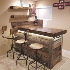 Palet Bar, Wooden Pallet Bar, Wooden Pallet Furniture, Bar Furniture, Wooden Diy, Wood Pallets, Diy Pallet Bar, Wooden Home Bar, Outdoor Pallet