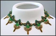 Kronleuchterjuwelen Glasperlenschmuck - gruen-goldenes Daggercollier