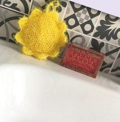 Breathtaking Crochet So You Can Comprehend Patterns Ideas. Stupefying Crochet So You Can Comprehend Patterns Ideas. Patron Crochet, Knit Crochet, Crochet Hats, Creative Bubble, Bubble Diy, Wool Thread, Rico Design, Creation Couture, Amigurumi