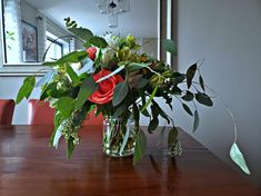 This past Sunday I did two things for the first time: taught a flower arranging class and taught at Hill Center ! Long Flowers, Condo Living, Flower Arrangements, Bouquet, Plants, Floral Arrangements, Condominium, Bouquet Of Flowers, Bouquets