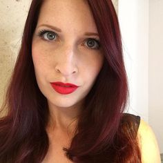 Mal ganz ohne Filter 😉🙈 Ich muss dringend mehr in due Sonne, sonst schwinden die Sommerprossen so schnell 😱 #selfie #sommersprossen #bdsm #lips #rotehaare #rotelippen #fetish #fetish #mistress #domina #femdom #picoftheday