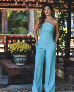 Pin by Jocelyne Cathy Joilan on combinaison in 2019 Style Bleu, My Style, Jumpsuit Outfit Dressy, Look Fashion, Fashion Outfits, Womens Fashion, Classy Outfits, Cute Outfits, Style Marocain