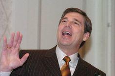 Toys 'R' Us Names IPO Veteran David Brandon as Its Next CEO #domino #pizza